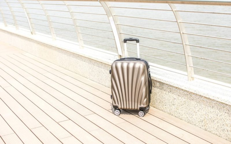 outdoor-luggage-2158766_1920